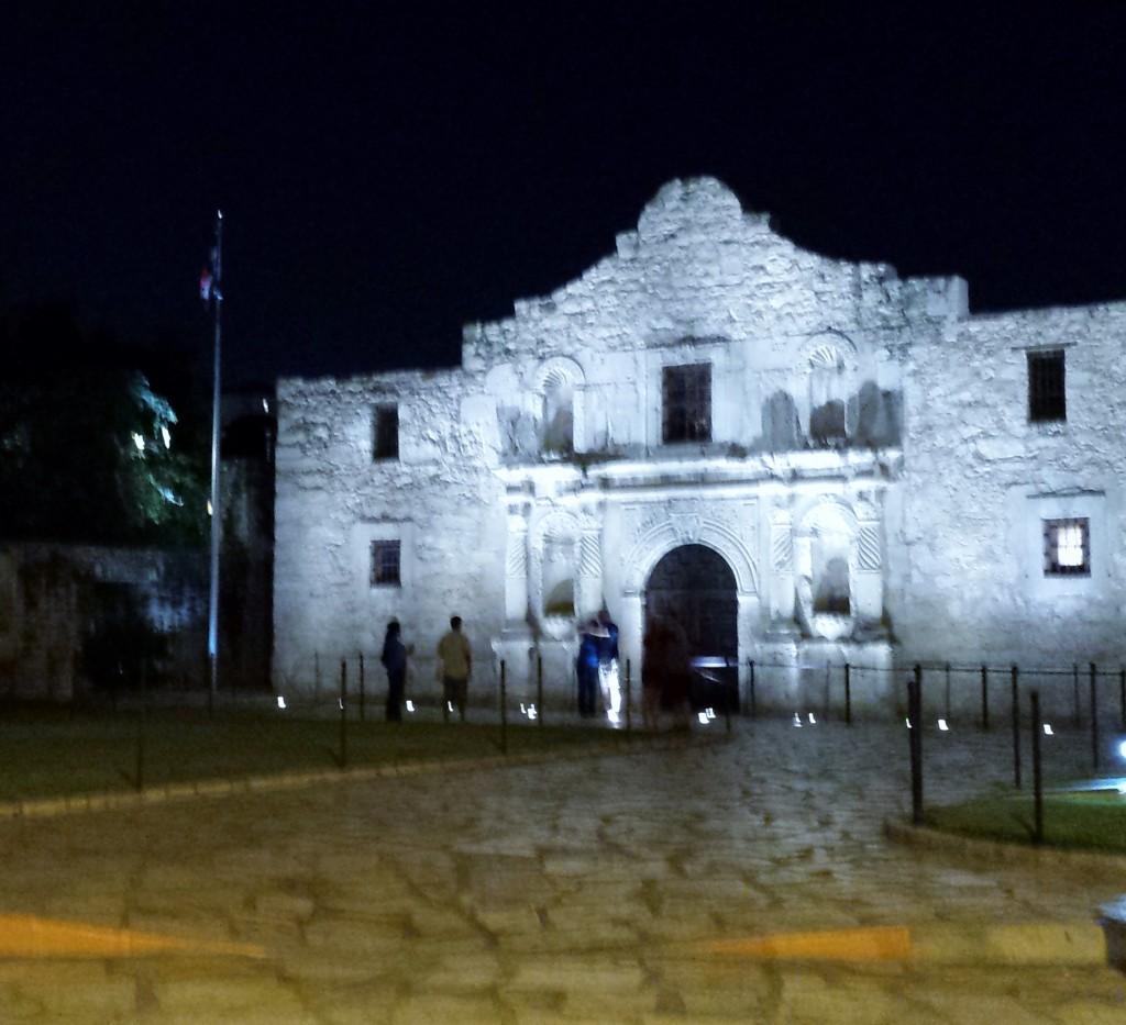 Alamo-at-night-1024x933