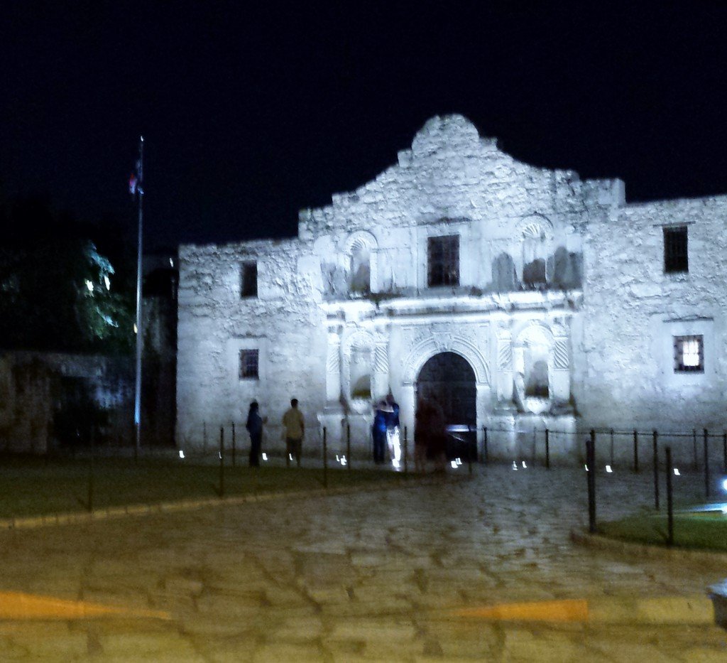 Alamo-at-night-1024x933