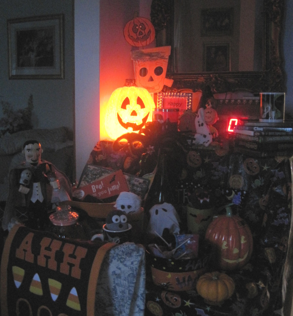 Halloweeen Mood Table Dark