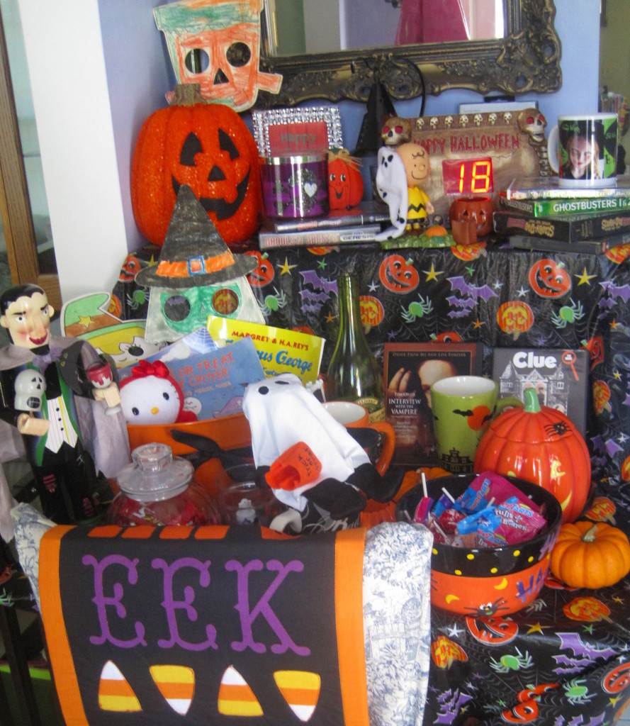 Halloween Mood Table