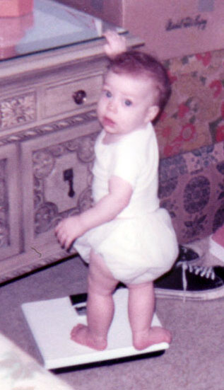 baby melonie on the scale