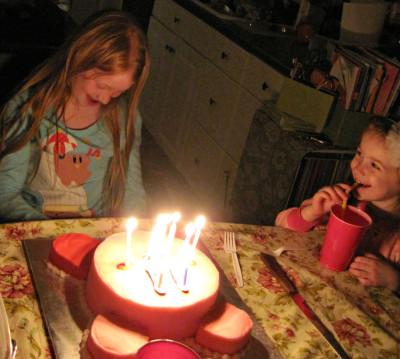Happy-cake-sisters-400x359